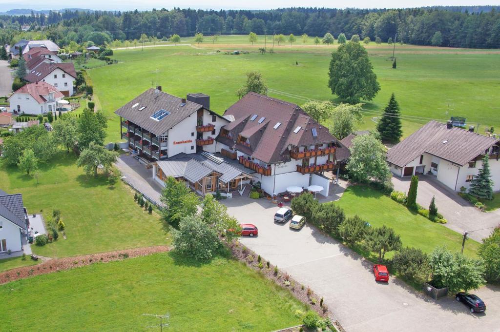Blick auf Hotel & Restaurant Sonnenhof & Sonnhalde aus der Vogelperspektive