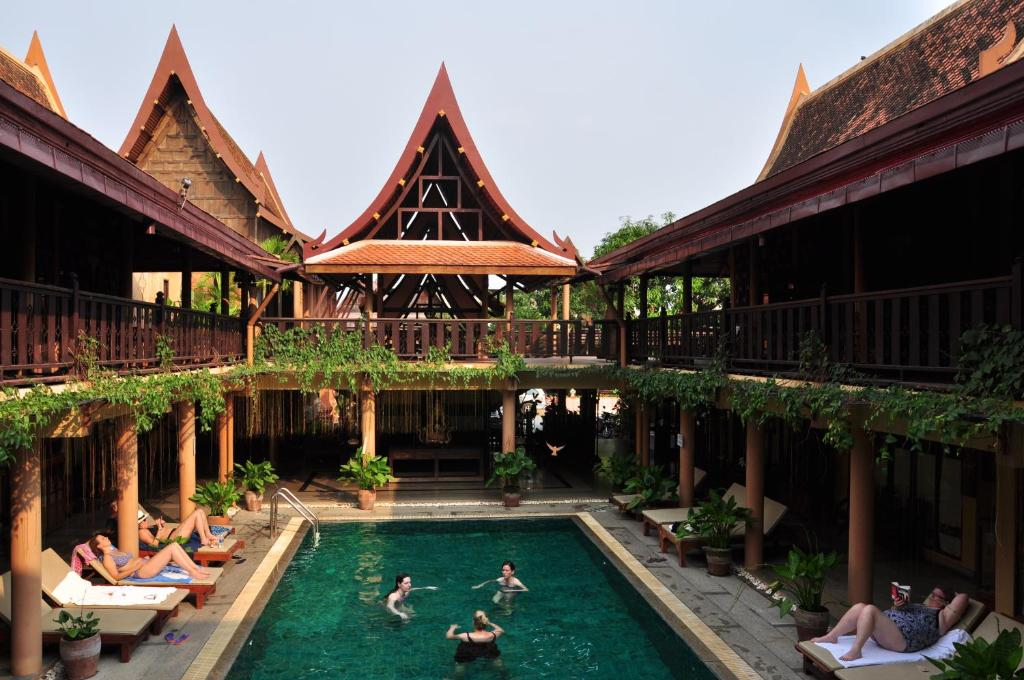 The swimming pool at or near Ruean Thai Hotel