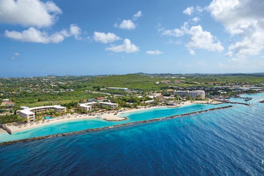 Een luchtfoto van Sunscape Curacao Resort Spa & Casino