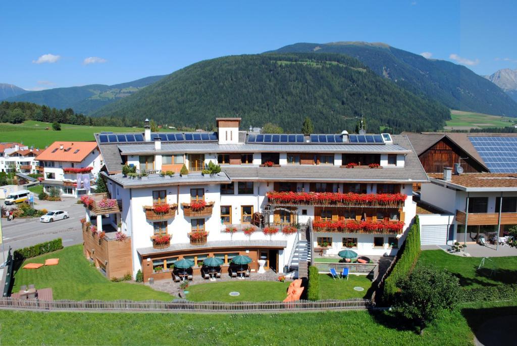 Hotel Alp Cron Moarhof Valdaora, Italy