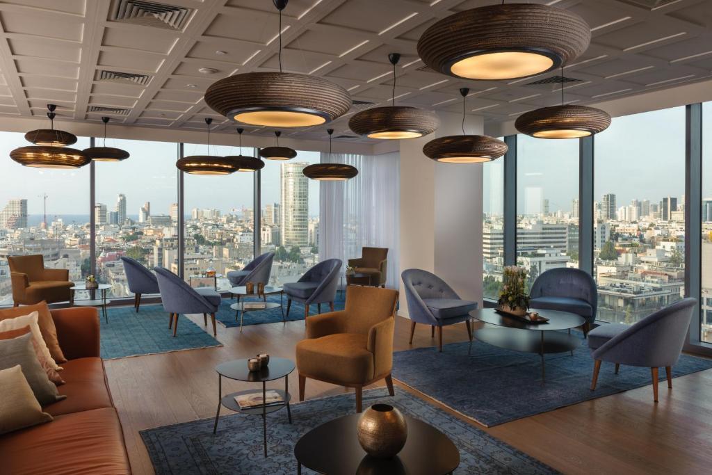 De lounge of bar bij Hotel Rothschild 22