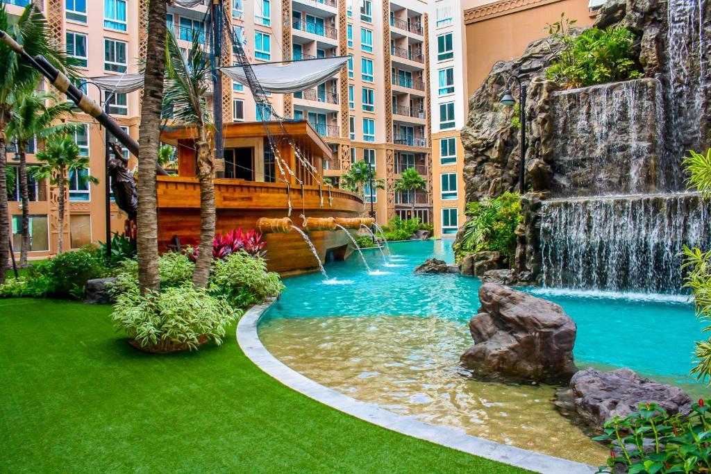 The swimming pool at or near Atlantis Condominium Resort