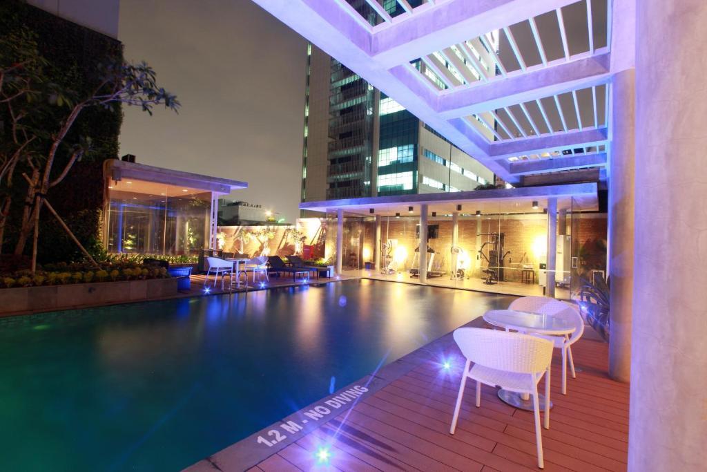 The swimming pool at or close to Ra Premiere Simatupang Jakarta