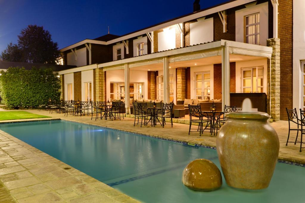 The swimming pool at or close to Protea Hotel by Marriott Bloemfontein