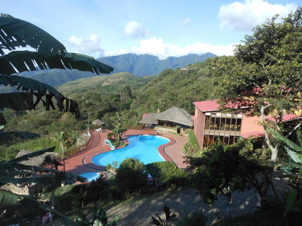 A view of the pool at Hotel Viejo Molino Coroico or nearby