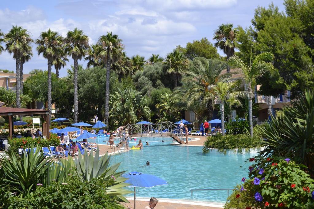 Бассейн в Hotel Princesa Playa или поблизости