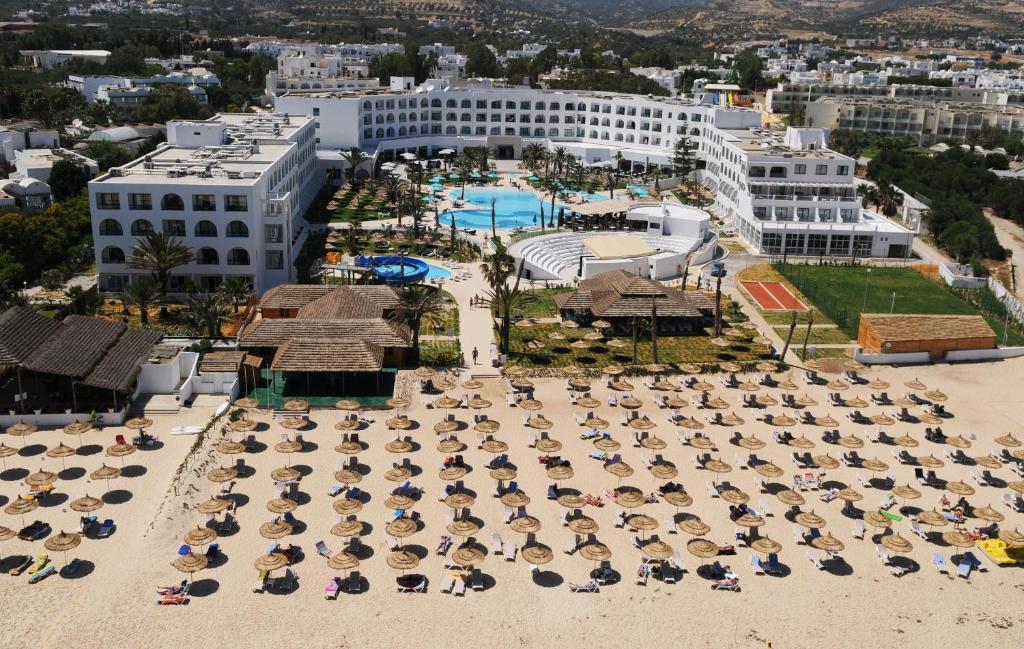 Een luchtfoto van Vincci Nozha Beach