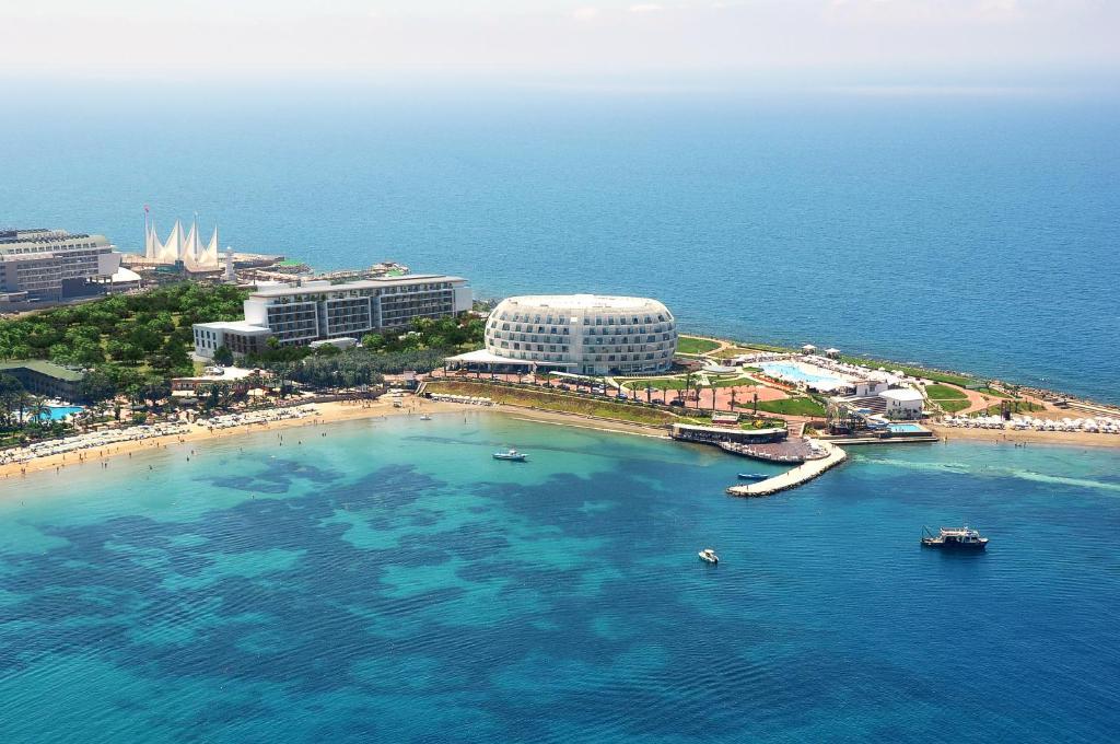 A bird's-eye view of Gold Island Hotel