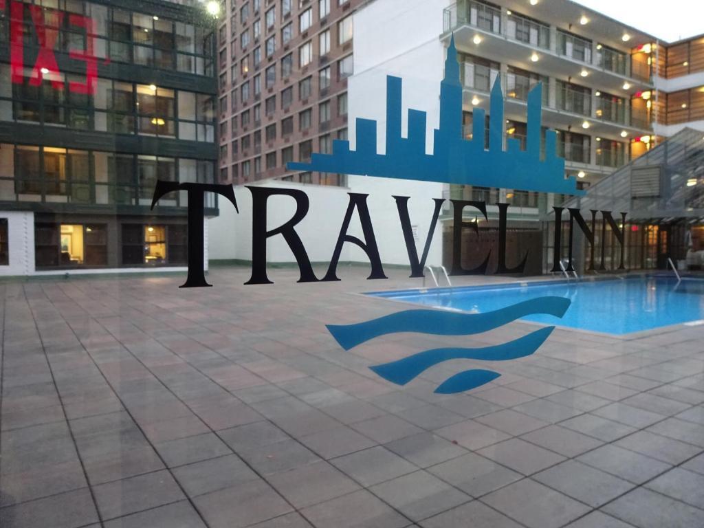 Piscine de l'établissement Travel Inn - Midtown Manhattan ou située à proximité