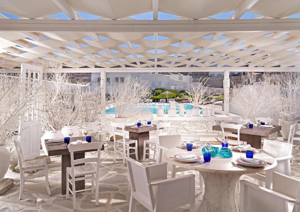 Restaurant ou autre lieu de restauration dans l'établissement Mykonos Bay Resort & Villas
