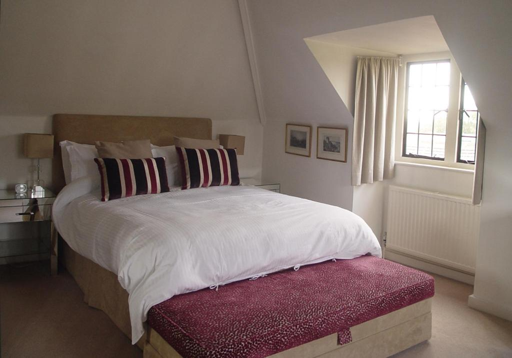Pinkneys Court Mews - Laterooms