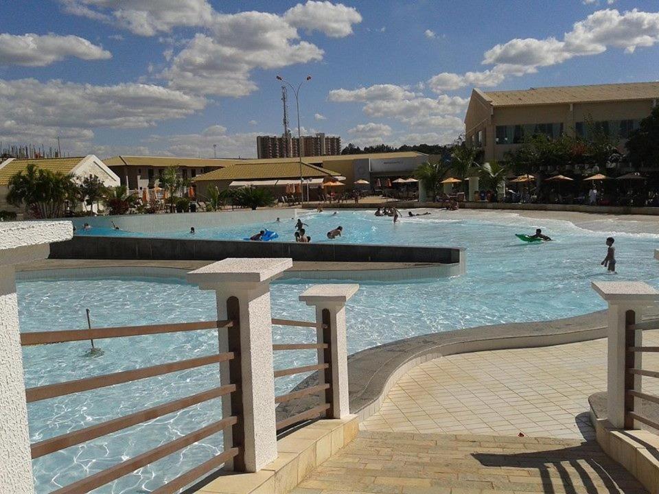 The swimming pool at or near Park L'acqua di roma - Cozinha completa