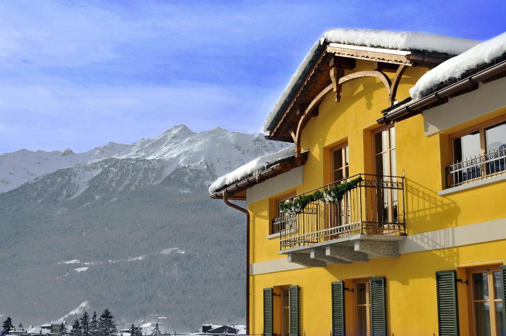 Hotel Meublè Sertorelli Reit during the winter