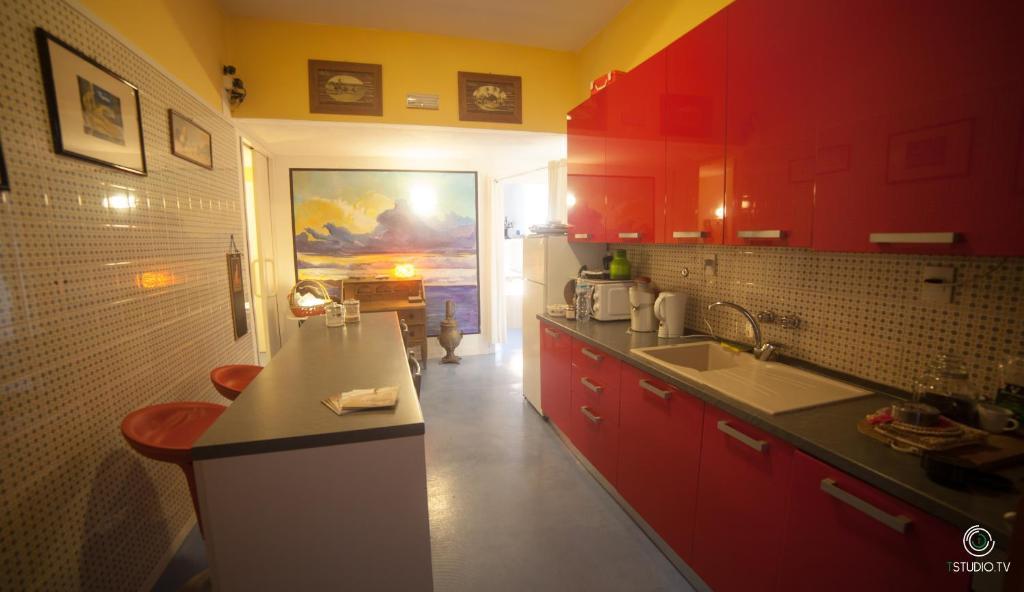A kitchen or kitchenette at Cas'Alda