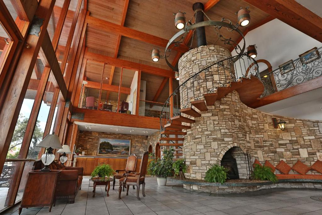 Inn of the Hills Hotel and Conference Center