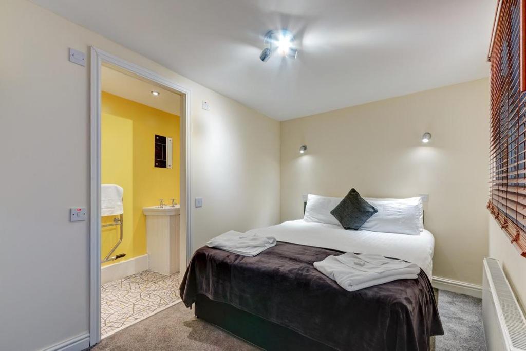 The Commodore Hotel - Laterooms