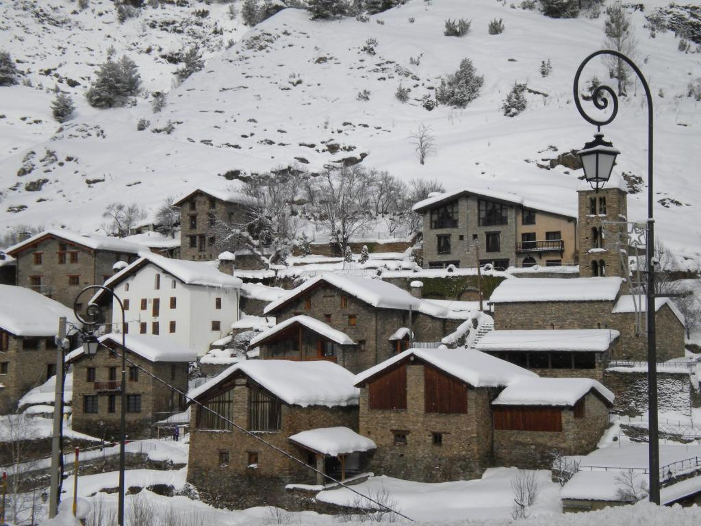 Apartaments Bonet during the winter