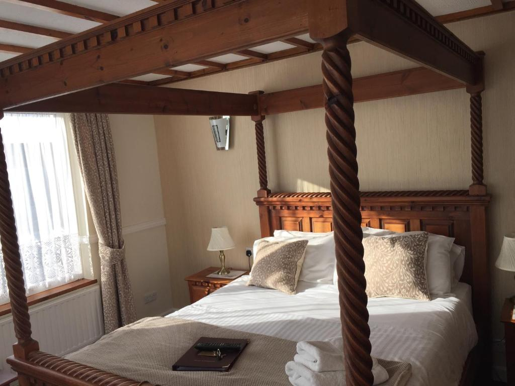 Edgcumbe Guest House - Laterooms
