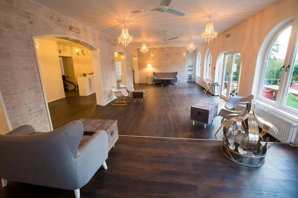 Gray Manor Hotel - Laterooms