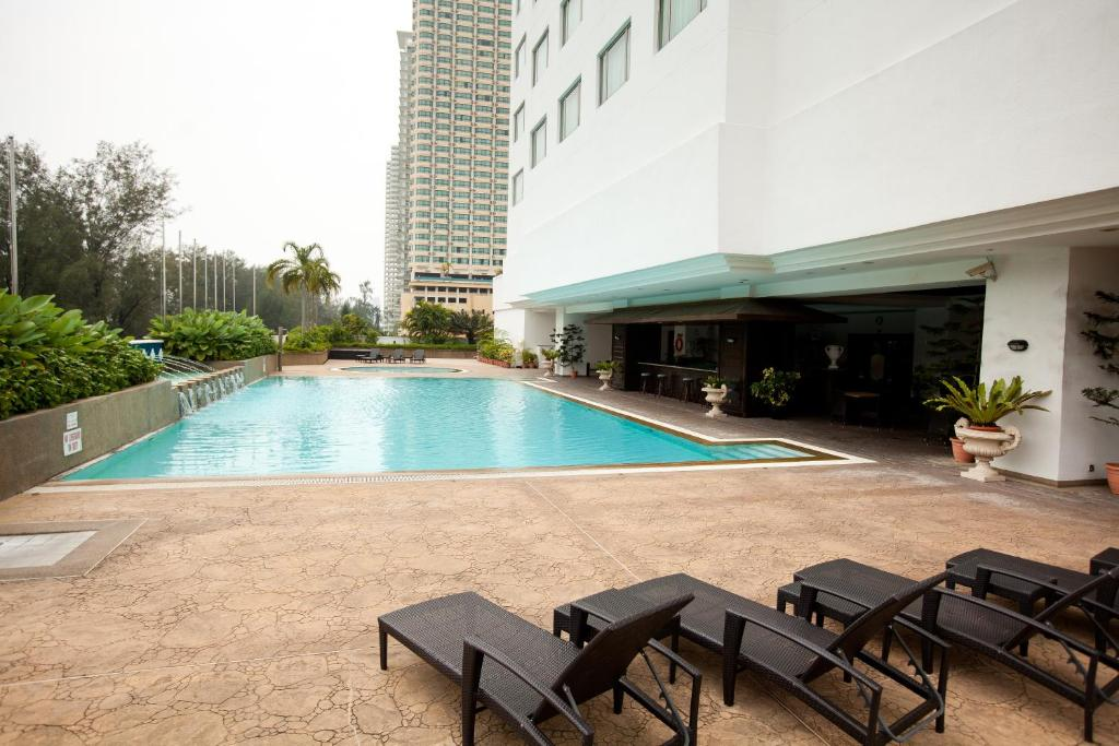 The swimming pool at or near Evergreen Laurel Hotel Penang