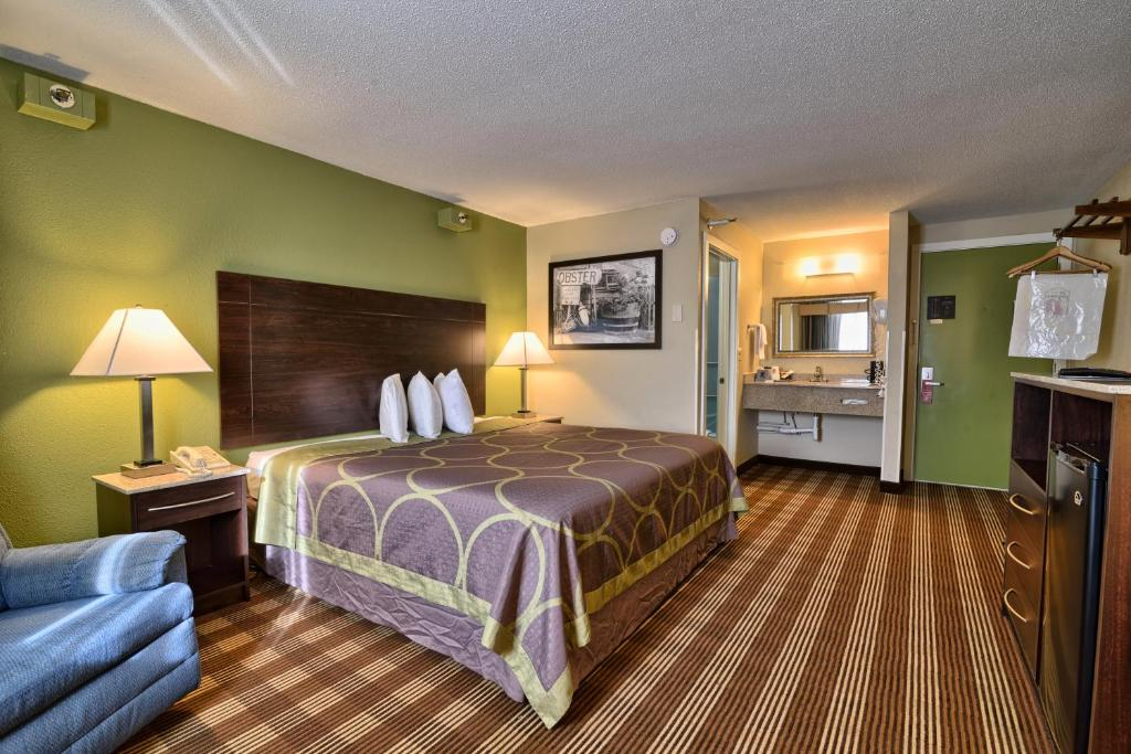 A room at the Super 8 by Wyndham Bangor.