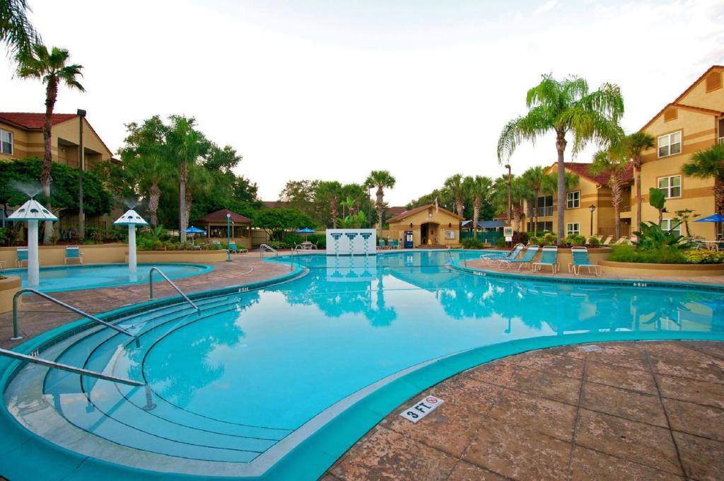 The swimming pool at or near Blue Tree Resort at Lake Buena Vista