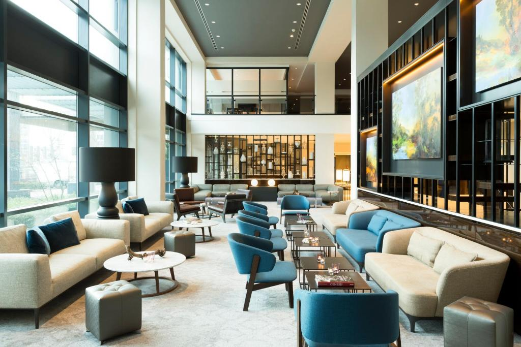 The lobby or reception area at Marriott Hotel The Hague