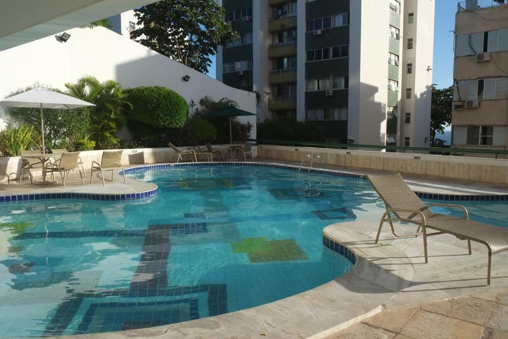 The swimming pool at or close to Atlantic City Apart Service