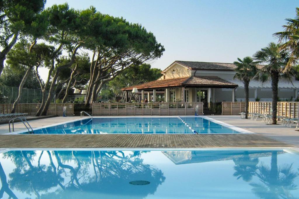 The swimming pool at or near Conero Azzurro
