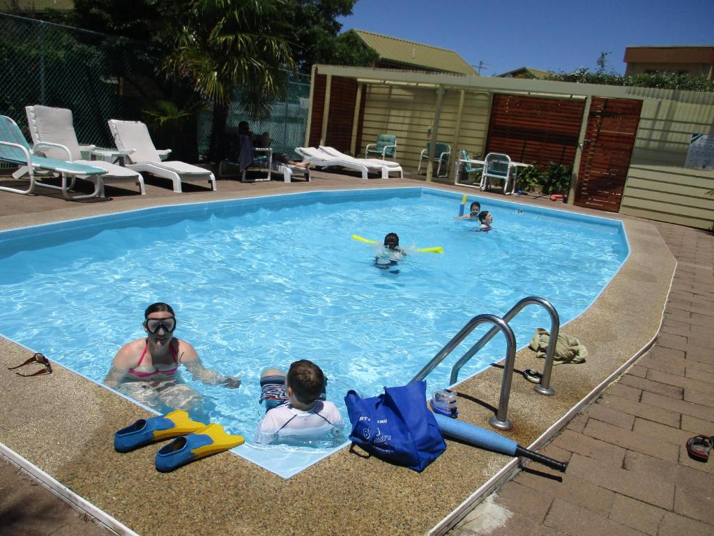 The swimming pool at or near Anchorbell Holiday Apartments