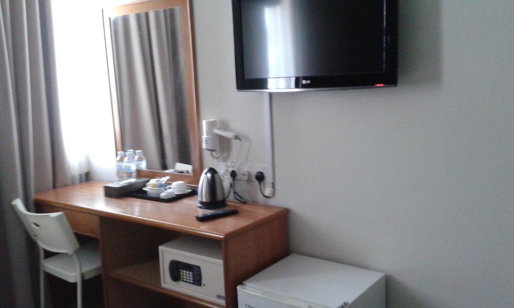 A television and/or entertainment center at De Spring Hotel