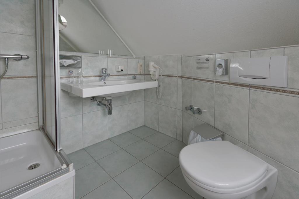 Ванная комната в Landgasthof Tönnes