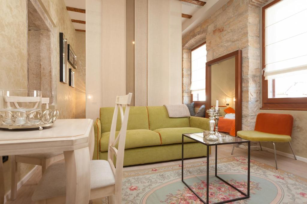 A seating area at Apartment Lux Rovinj