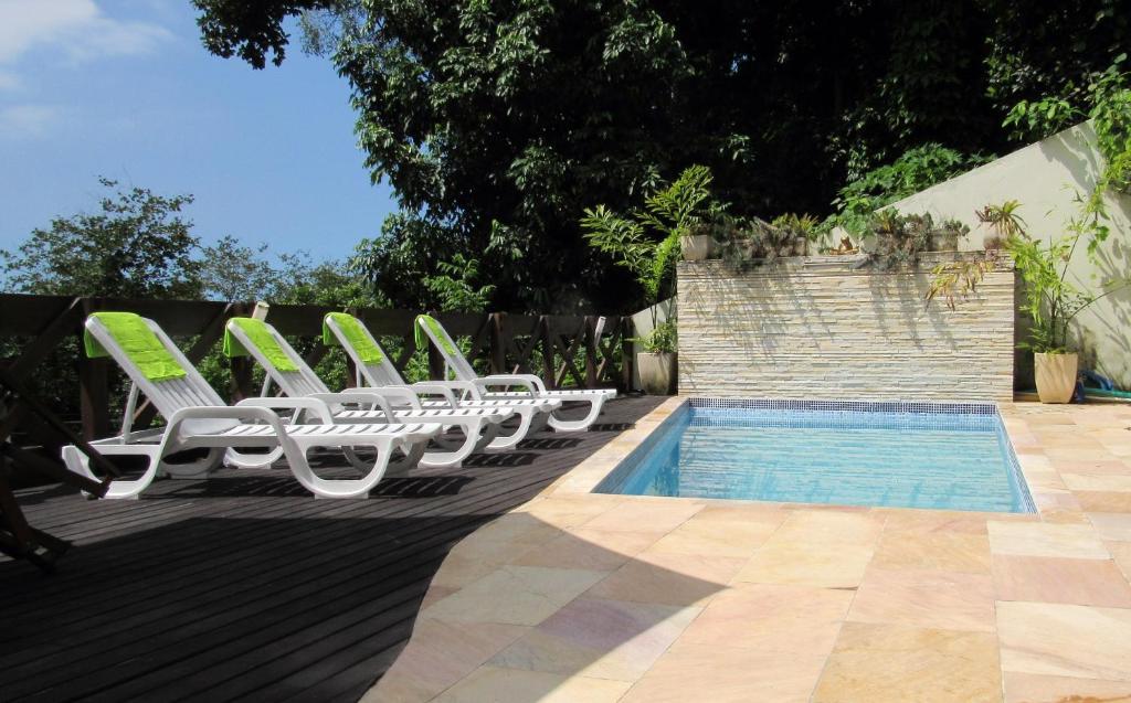 A piscina localizada em Casa Verde ou nos arredores