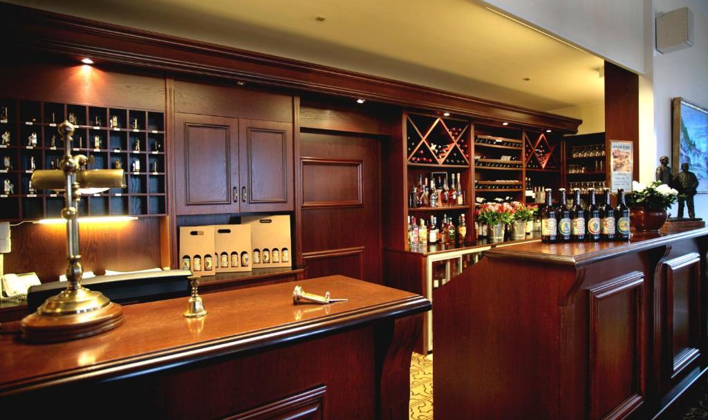 Loungen eller baren på Tornøes Hotel