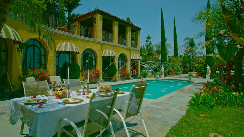 The swimming pool at or close to The Villa Sophia Guest House