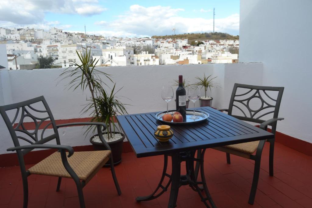 A balcony or terrace at Hotel La Fonda del Califa