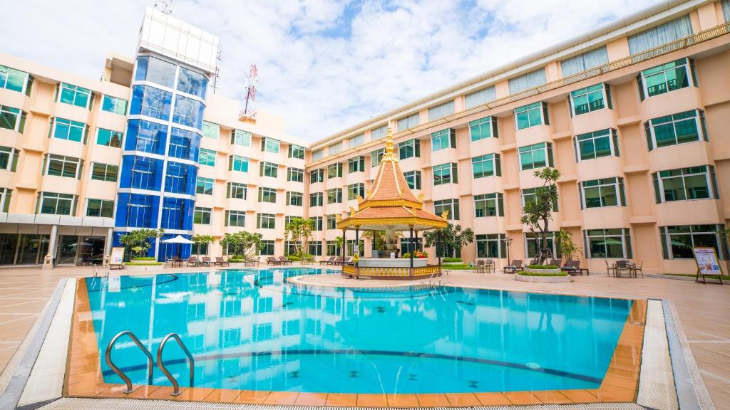 The swimming pool at or near Phnom Penh Hotel
