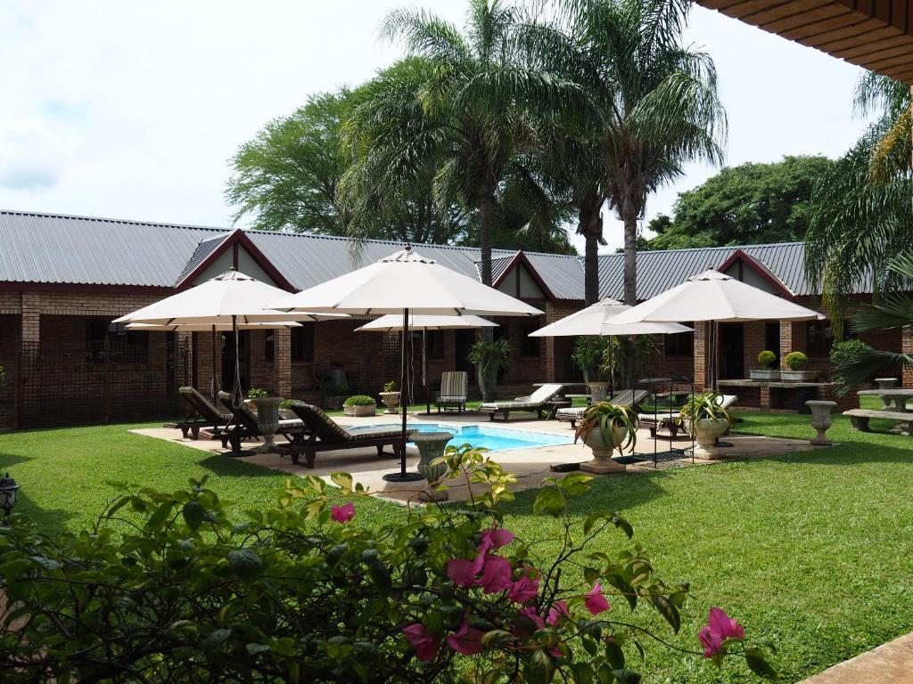 The swimming pool at or close to Kwalala Lodge
