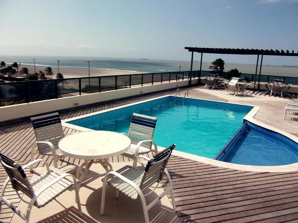 A piscina localizada em Calhau Praia Hotel ou nos arredores