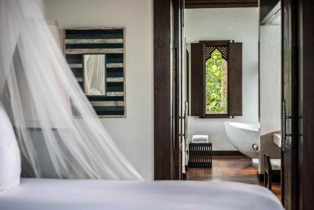 Ein Badezimmer in der Unterkunft Four Seasons Resort Koh Samui - SHA Plus