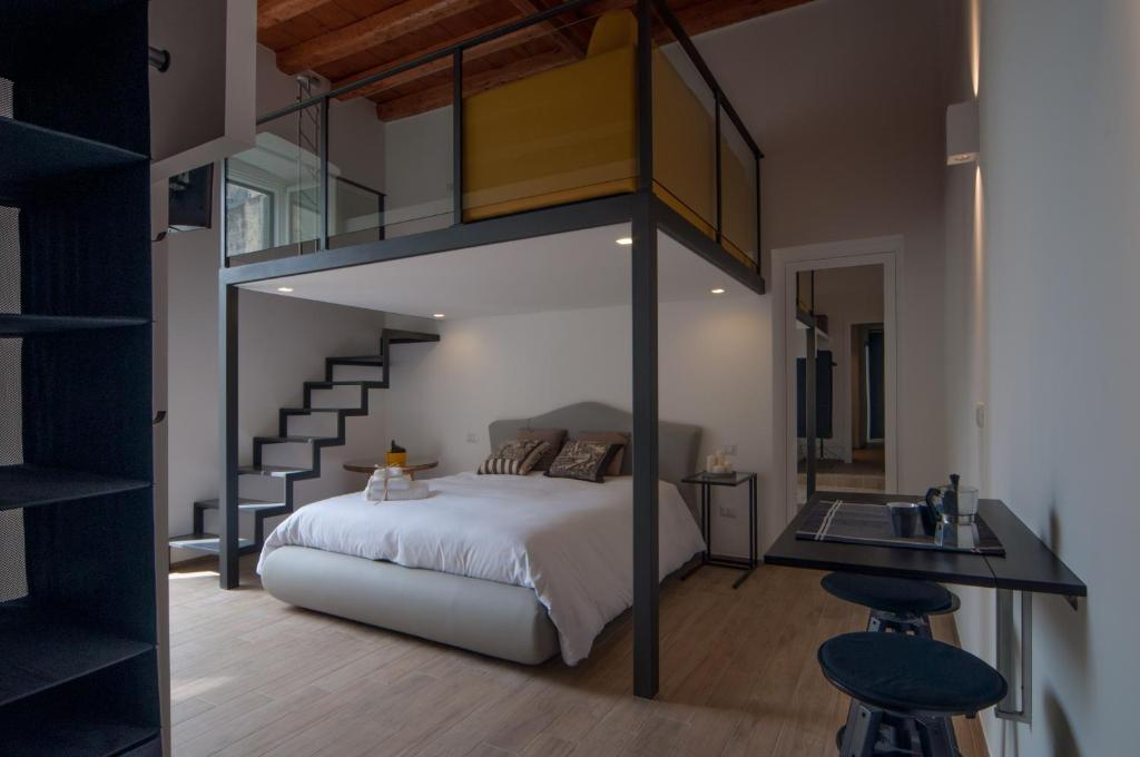 A bed or beds in a room at B&B Al Vico