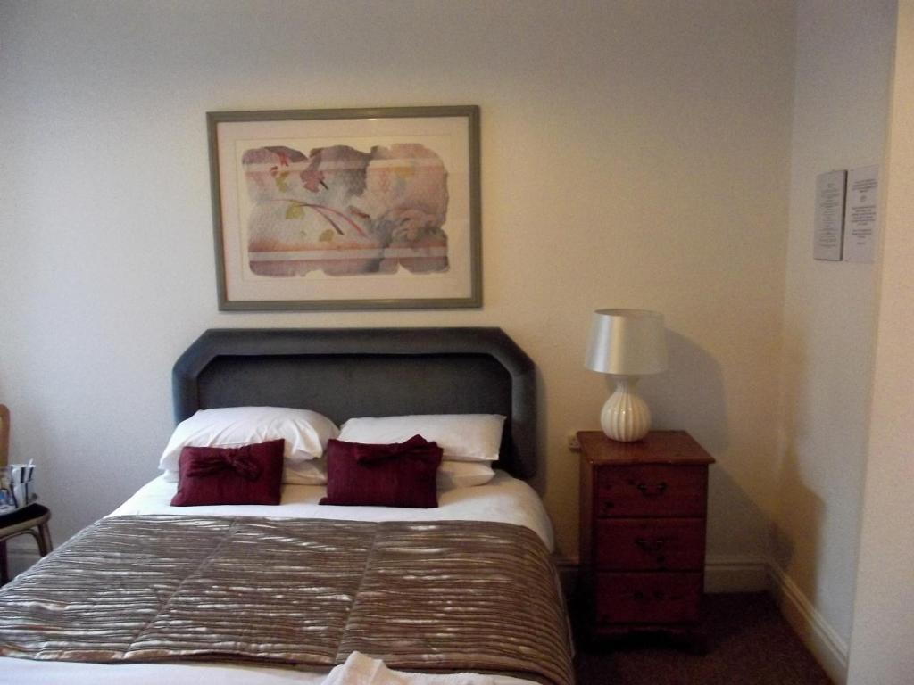 The Queens Head Hotel - Laterooms