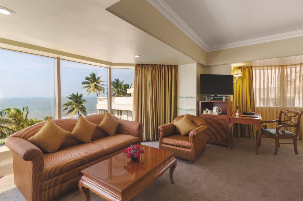 A room at the Ramada Plaza by Wyndham Palm Grove.