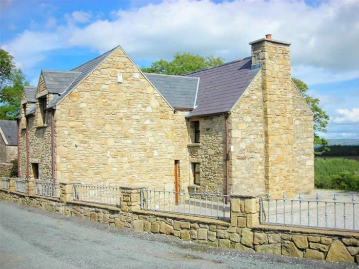 Pine View Self Catering Holiday Home - Laterooms