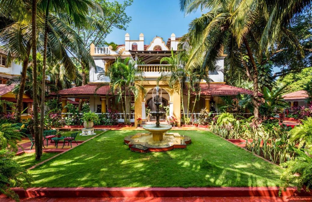 A garden outside Casa Anjuna