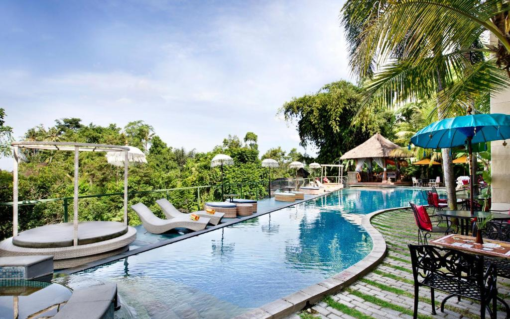 The swimming pool at or near The Mansion Resort Hotel & Spa