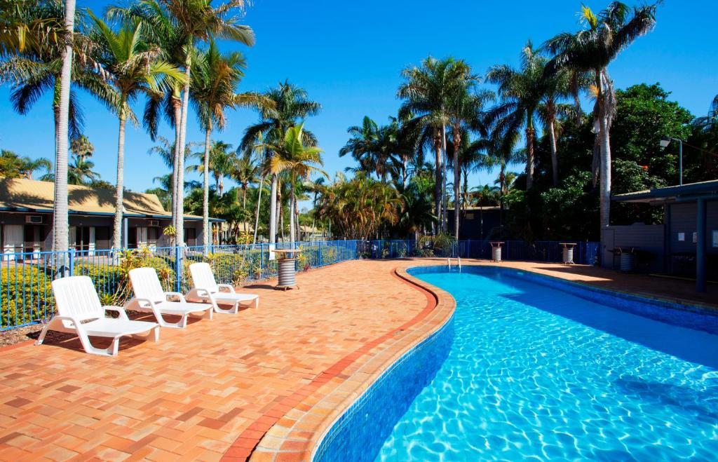 The swimming pool at or near Kondari Hotel