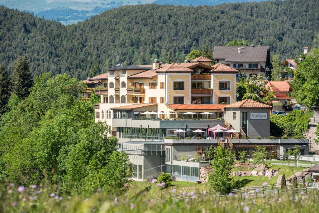 Hotel Alpenflora Castelrotto, Italy