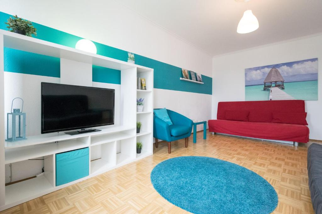 A seating area at Fair Apartments